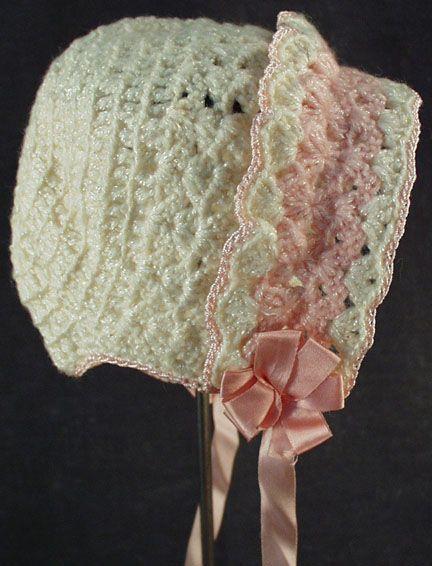 Bonete Vintage Crocheted del bebé con el borde rosado de ogees en ...