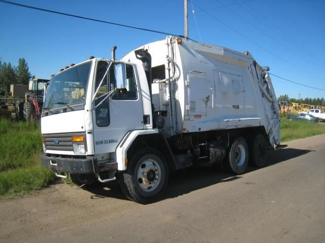 1994 FORD 8000