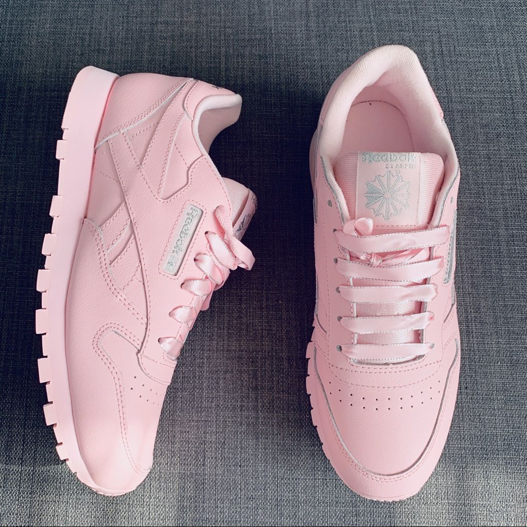 lanza Deportista esta ahí  Reebok Shoes | Reebok Classic Pastel Pink & Silver Sneaker | Color:  Pink/Silver | Size: 8.5 in 2020 | Pastel pink, Reebok, Sneakers