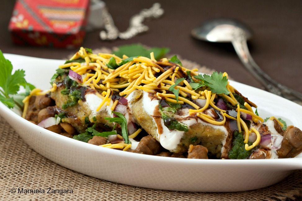 aloo tikki chaat recipe chaat indian street food indian food recipes on hebbar s kitchen recipes aloo tikki id=17234