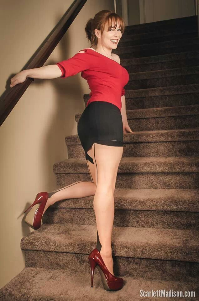Scarlett Madison   Robes romantiques et féminines   Pinterest   Robe  romantique, Romantique et Féminin 7933c5f732c4