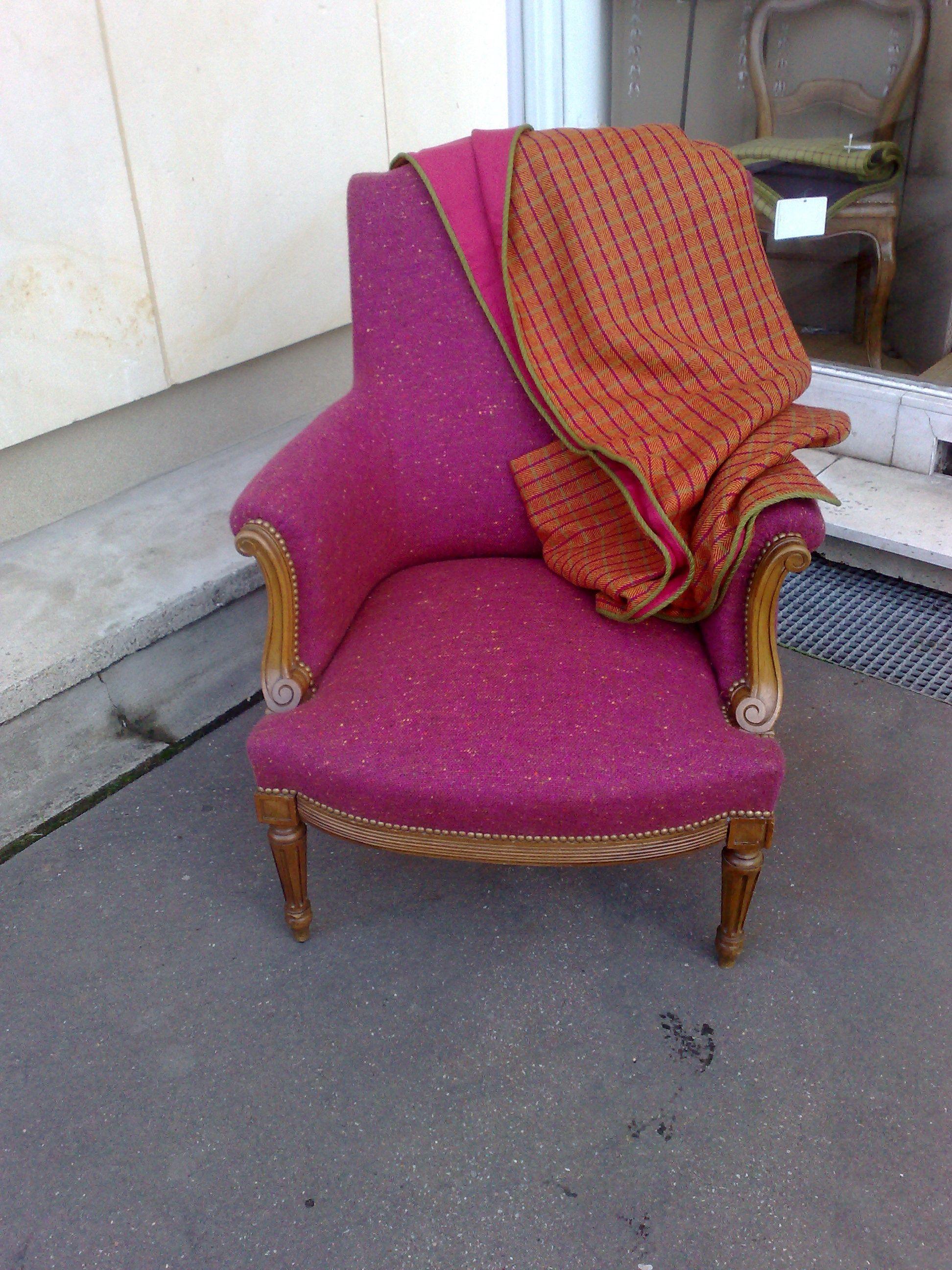 berg re de style louis xvi le tissu choisi est un tweed de chez sequana associ un plaid de. Black Bedroom Furniture Sets. Home Design Ideas