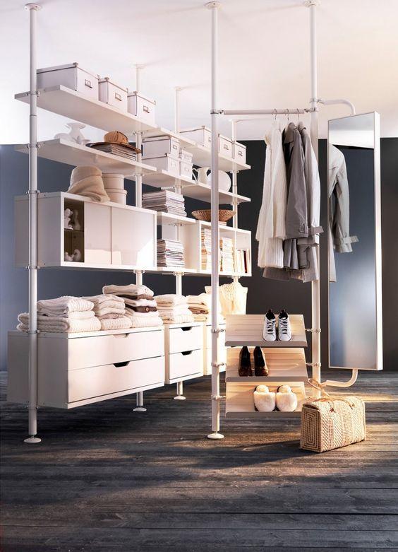 La cabina armadio Ikea del sistema Stolmen è una struttura ...