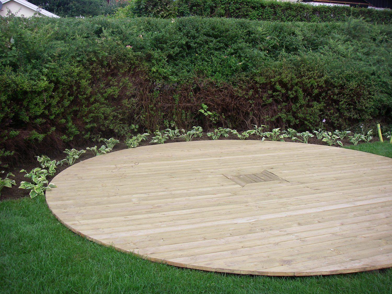 Trädäck runt eller njurformat ska det vara! Garden Garden Design, Outdoor gardens och Garden