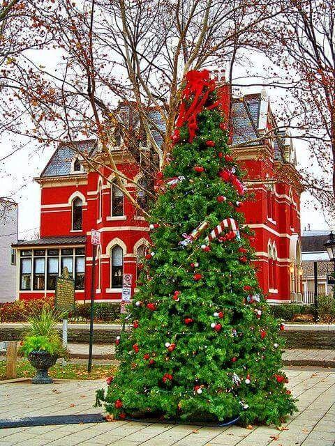 Covington, Kentucky christmas Pinterest - christmas town decorations