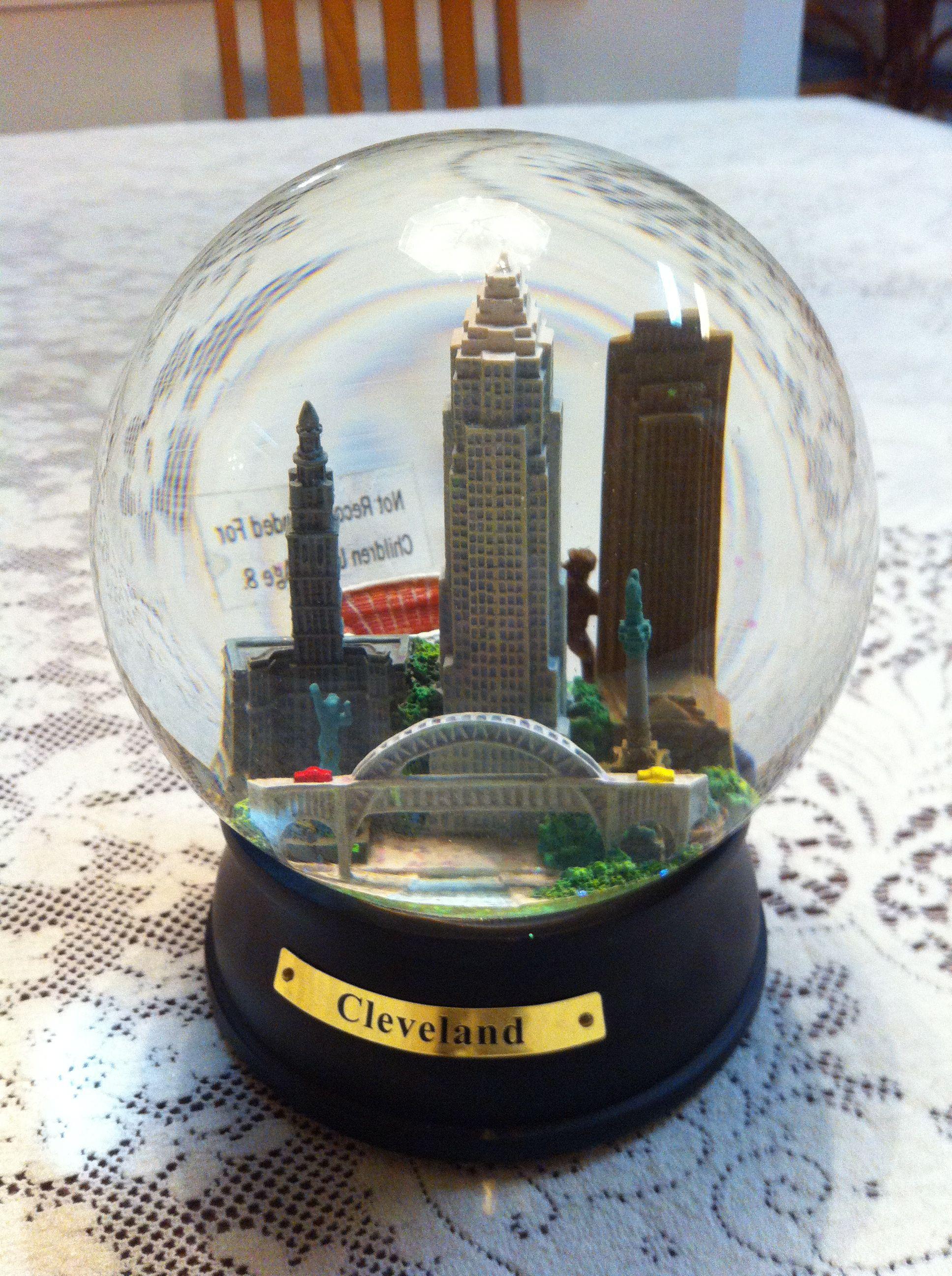 65mm Cleveland Ohio Snow Globe