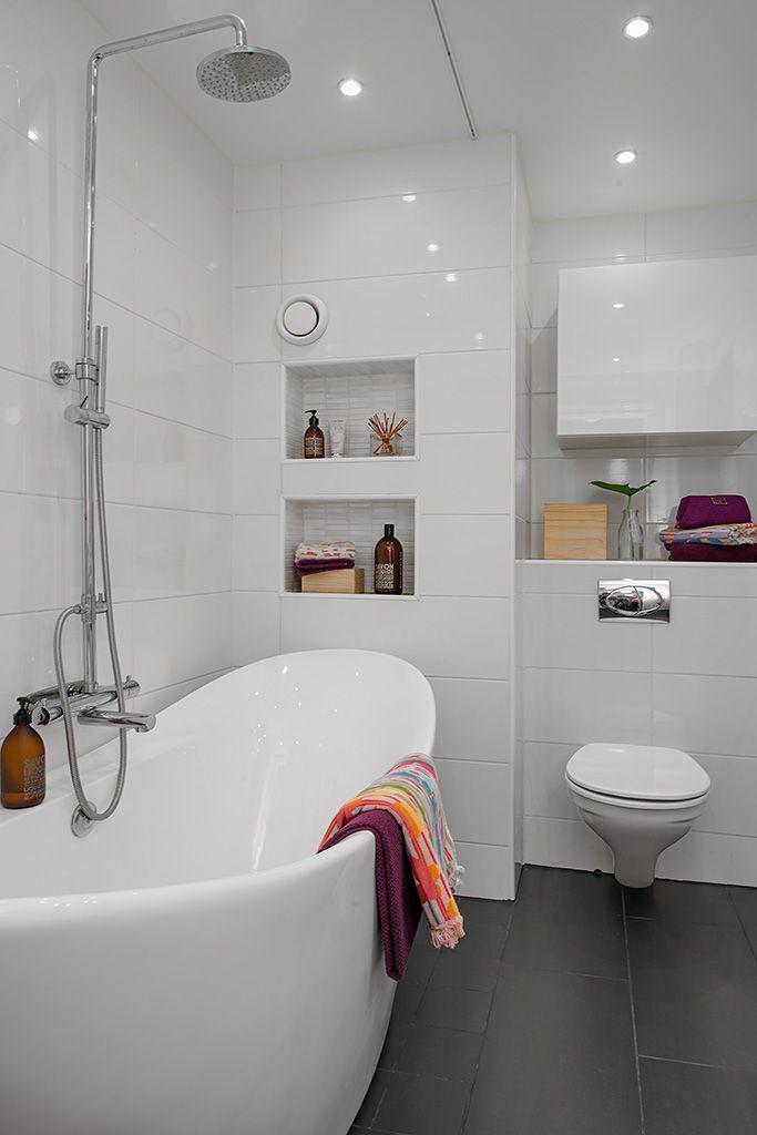 Totalrenoverat påkostat badrum med badkar