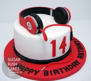 7a3cf5899132 Beats headphones cake