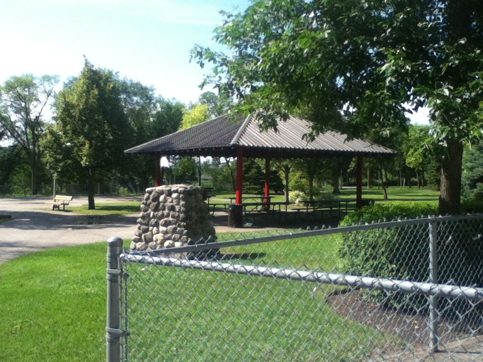 55 Covered Picnic Tables And If You Time It Right Washrooms And A Water Fountain Is Available By The Trans Canada Trail North Winnipeg Route Picni