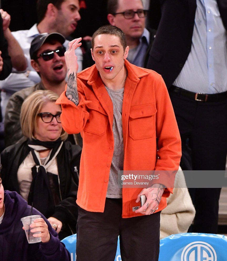 Pete Davidson Updates On Instagram New Pete At The Nyknicks Game Last Night Gettyentertainment Petedavidson In 2020 Gentleman Outfits Leather Jacket