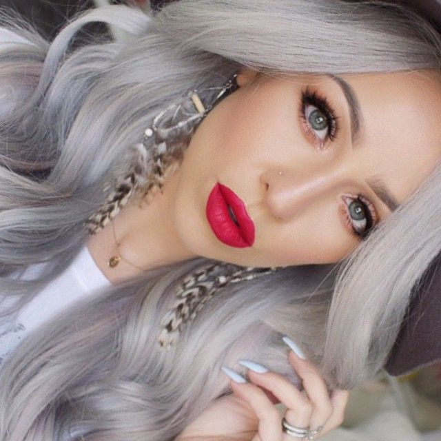 Love The Red Lipstick With It Blonde Hair Makeup Silver Hair