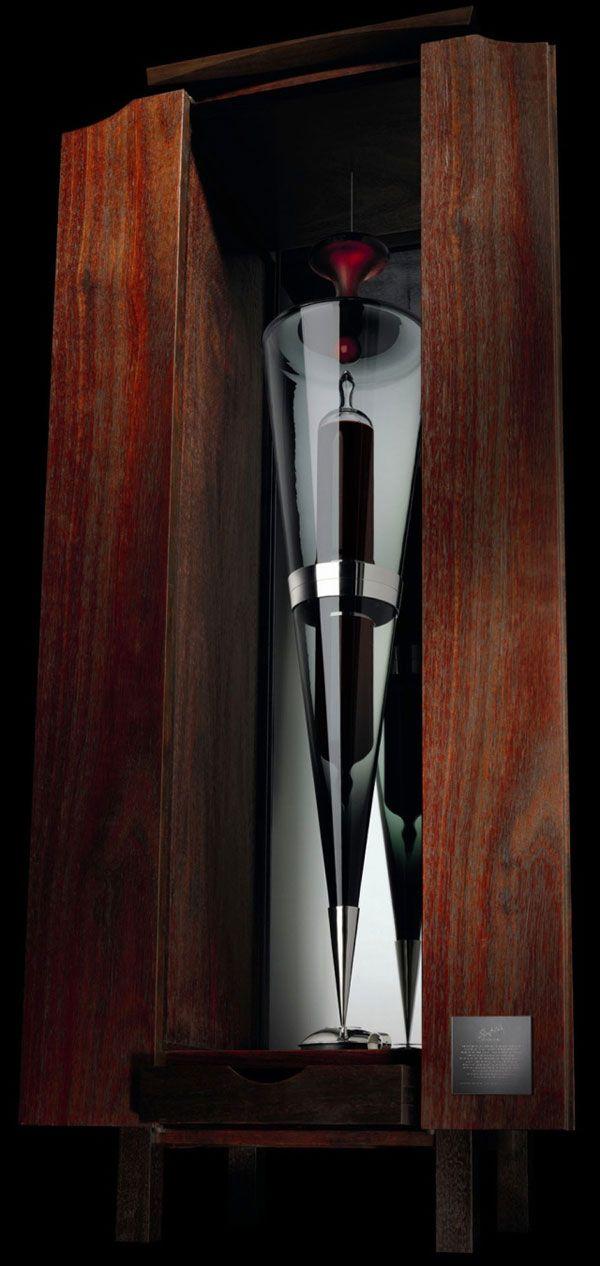 El nuevo récord mundial para el vino más caro acaba de establecer. Prestigiosos bodega Penfolds de Australia. 170.350 $ dolares por botella