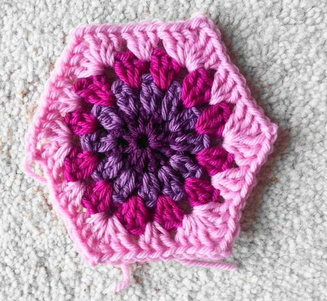 Lavender and Wild Rose: Crochet starburst hexagon pattern tutorial ...