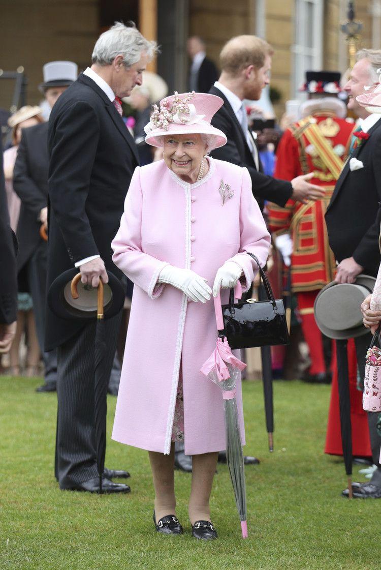 f004dd0970e1c11dcd066514dc38262a - How To Get Invited To Queen S Garden Party