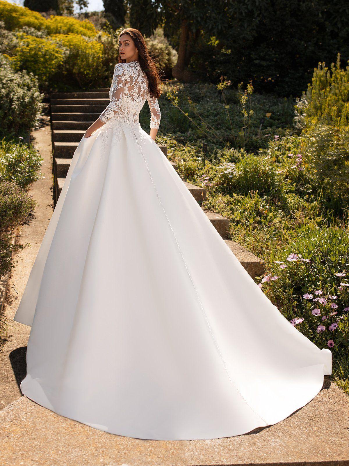 Pronovias Phoenicia In 2021 Ball Gowns Wedding Pronovias Wedding Dress Wedding Dresses Simple [ 1600 x 1200 Pixel ]