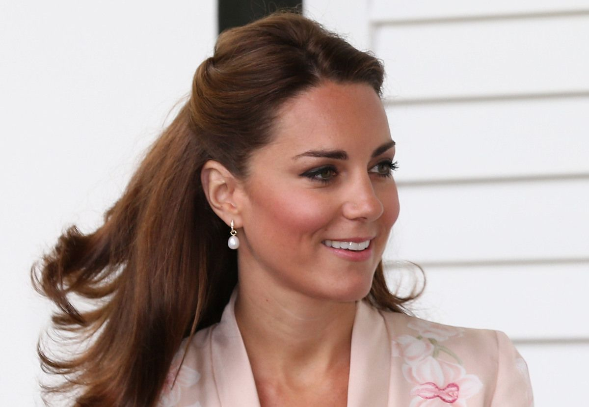 Kate Has Worn These Pearl Earrings On Multiple Occasions And Who Could  Blame Her? They