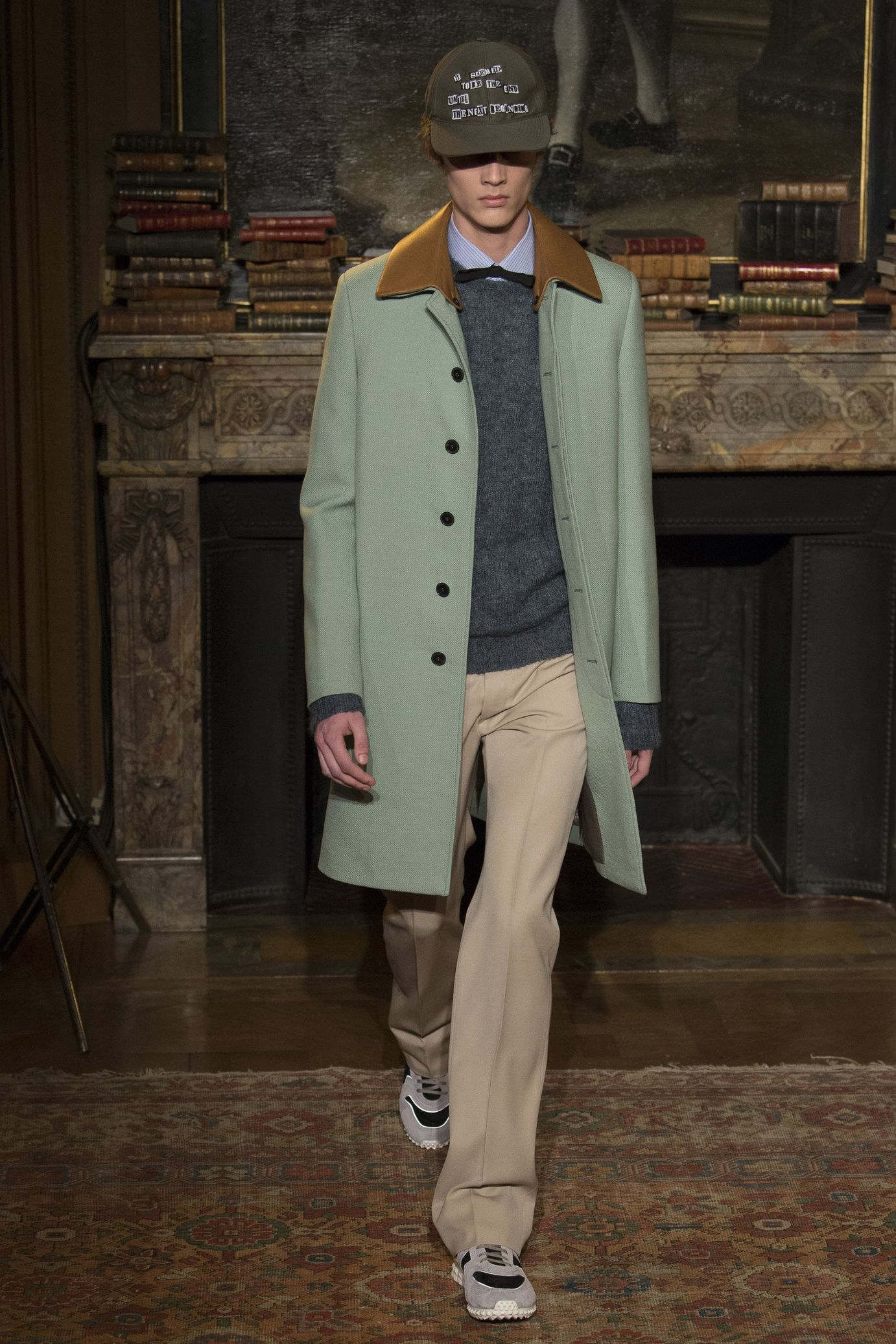 FallWinter Valentino 2018 styling 2017 Abrigos Pinterest 7Ofq1O