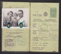 1937 Keményfedeles útlevél, meghosszabítva   axioart.com