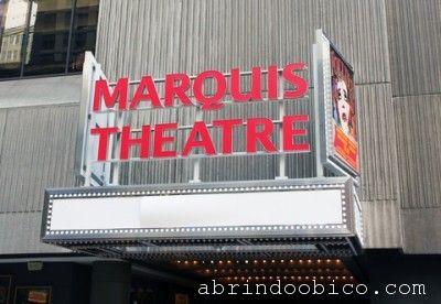 Uma app para o teatro. http://abrindoobico.com/2012/05/um-app-pro-teatro/