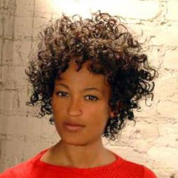 Come fare i capelli afro corti