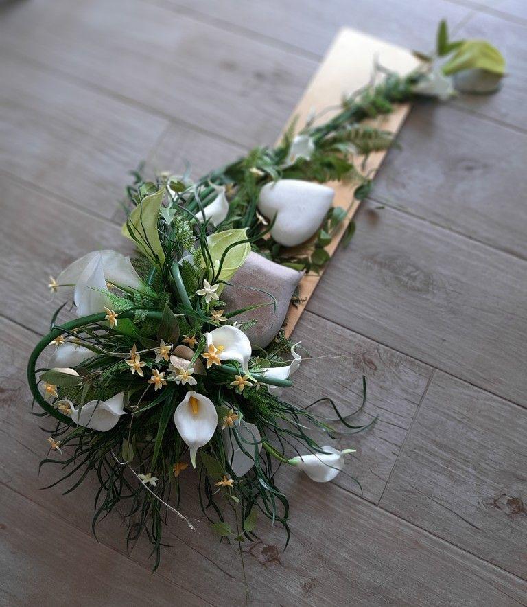 Kompozycja Nagrobna Florystyka Funeralna Creative Flower Arrangements Flower Arrangements Memorial Flowers