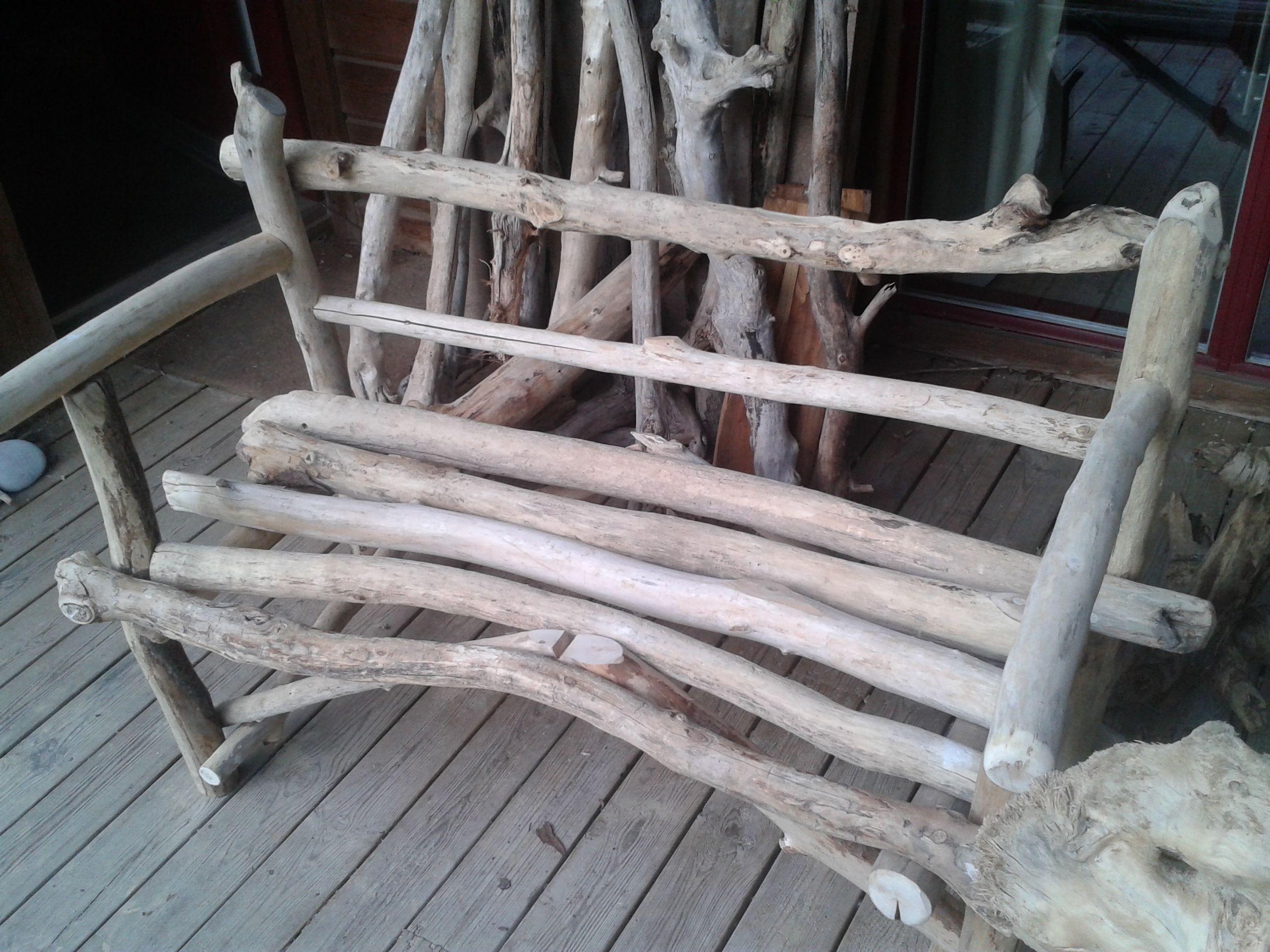 Banc en bois flott int rieur ou ext rieur fabriqu par didier fasse artisan designer de - Chaise bois flotte ...