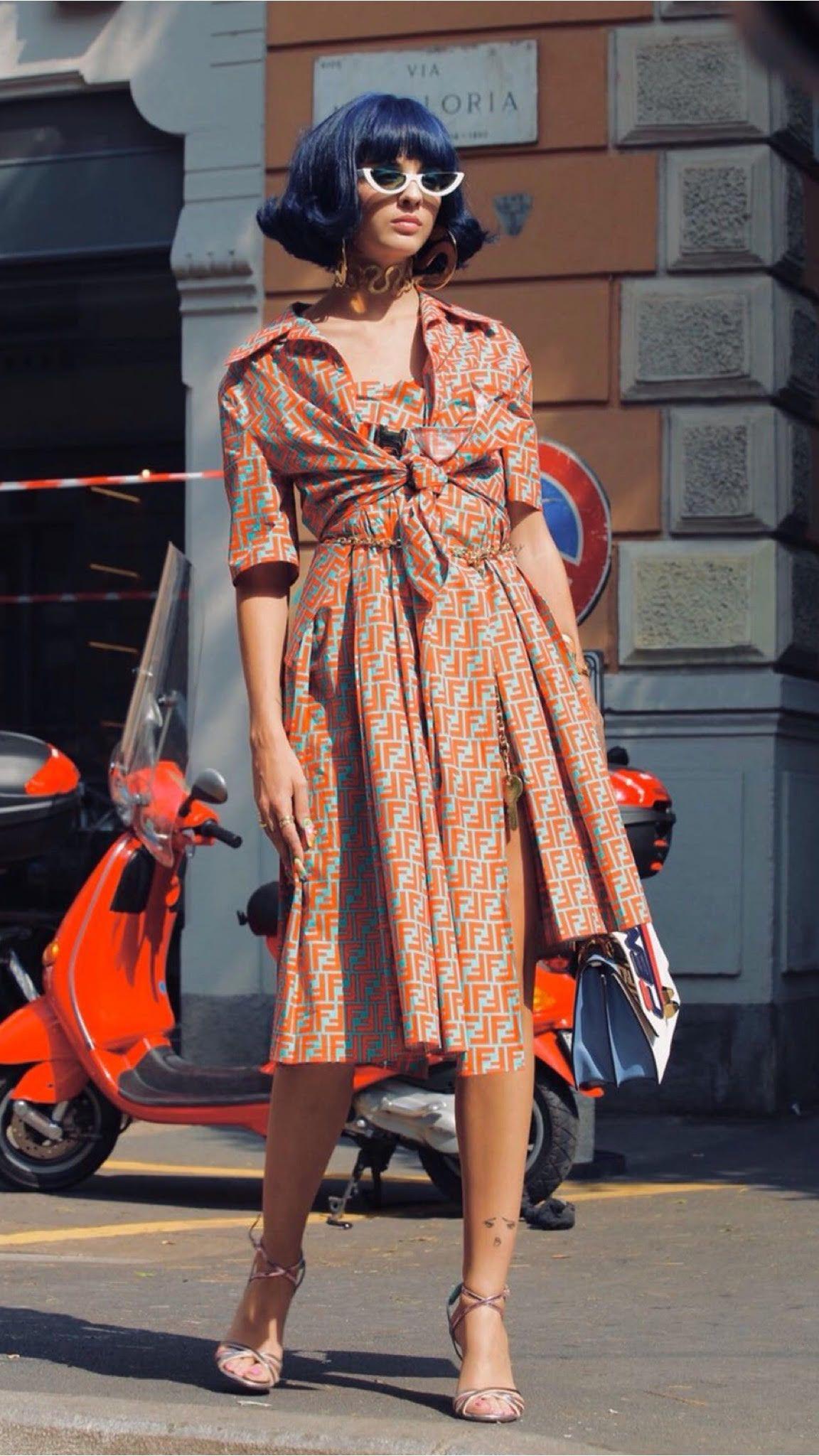 4fcf7202c39f9 Color block e logomania dominam o street style Veja as tendências direto  das ruas da semana