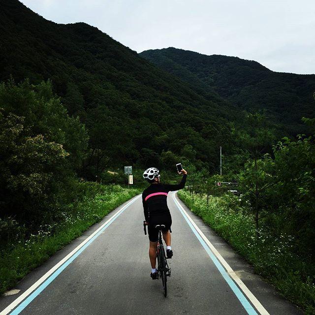#instagram @m80615 #Cyclists #Riding #Cycles #Cycles #Bicycle #Rapha #rapha_rcc #rapha_asia #rapha_korea #rapharcc #raphacyclingclub #Roadbikes #poc #pocteam #pococtal #myview #MYHOUR  #라이딩 #사이클 #자전거 #라파 #로드바이크 #피오씨 #자스타그램  #북한강 #우쭈쭈페달  #cyclingphotos #cyclingwear #cyclinglife https://instagram.com/p/5SCbzmwCGa/ // my instagram https://instagram.com/wolkanca