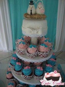 Torre de cupcakes Laiz e Marcel