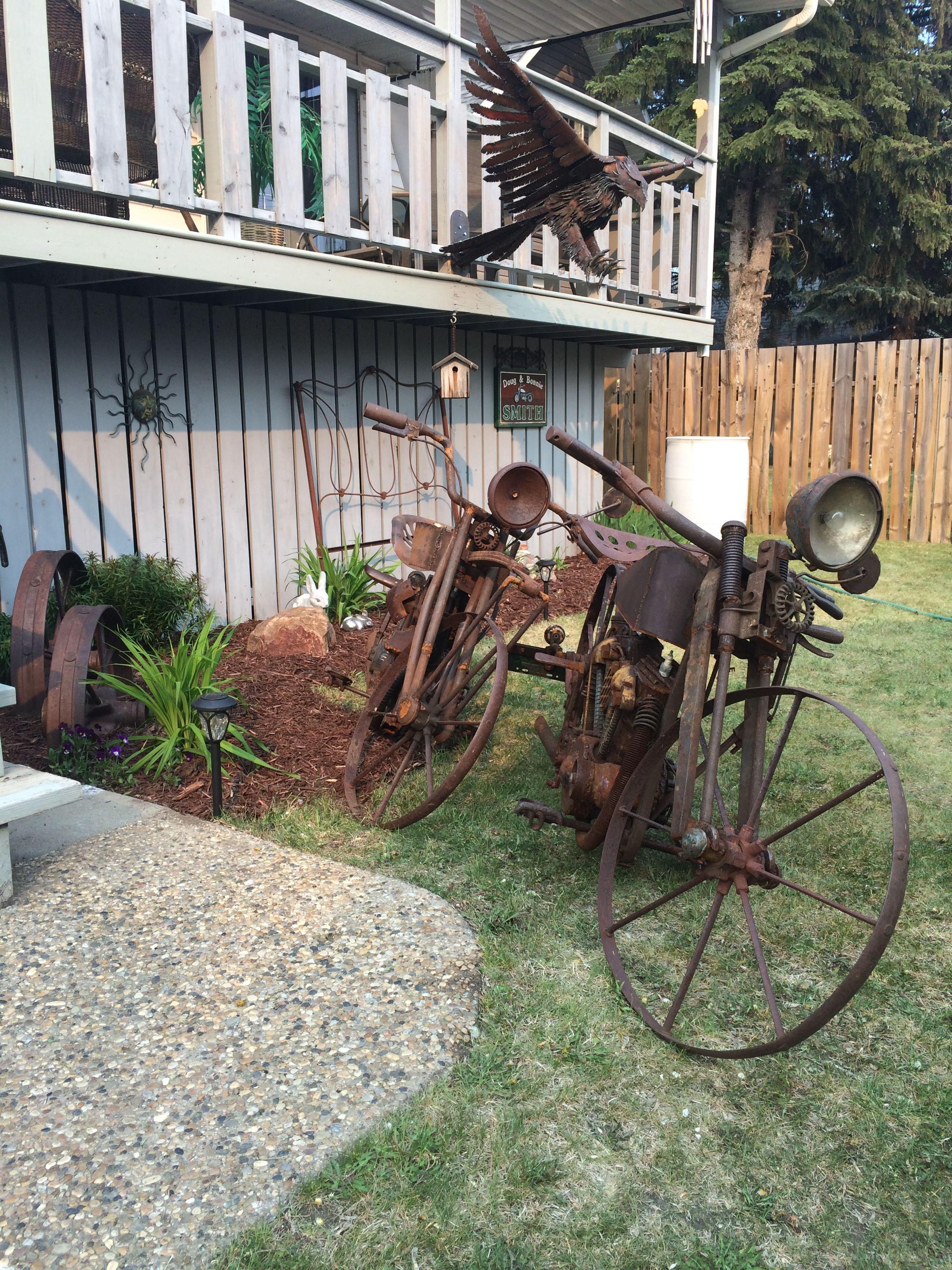 Scrap metal motorcycles..... Metal art by Smitty | Scrap ...