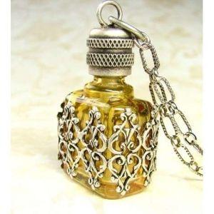 Vintage Perfume Bottle by charlene   Botellas de perfume