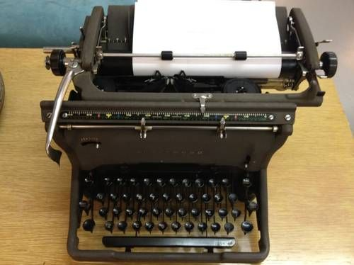 1950's Underwood Typewriter  Works Great   $78