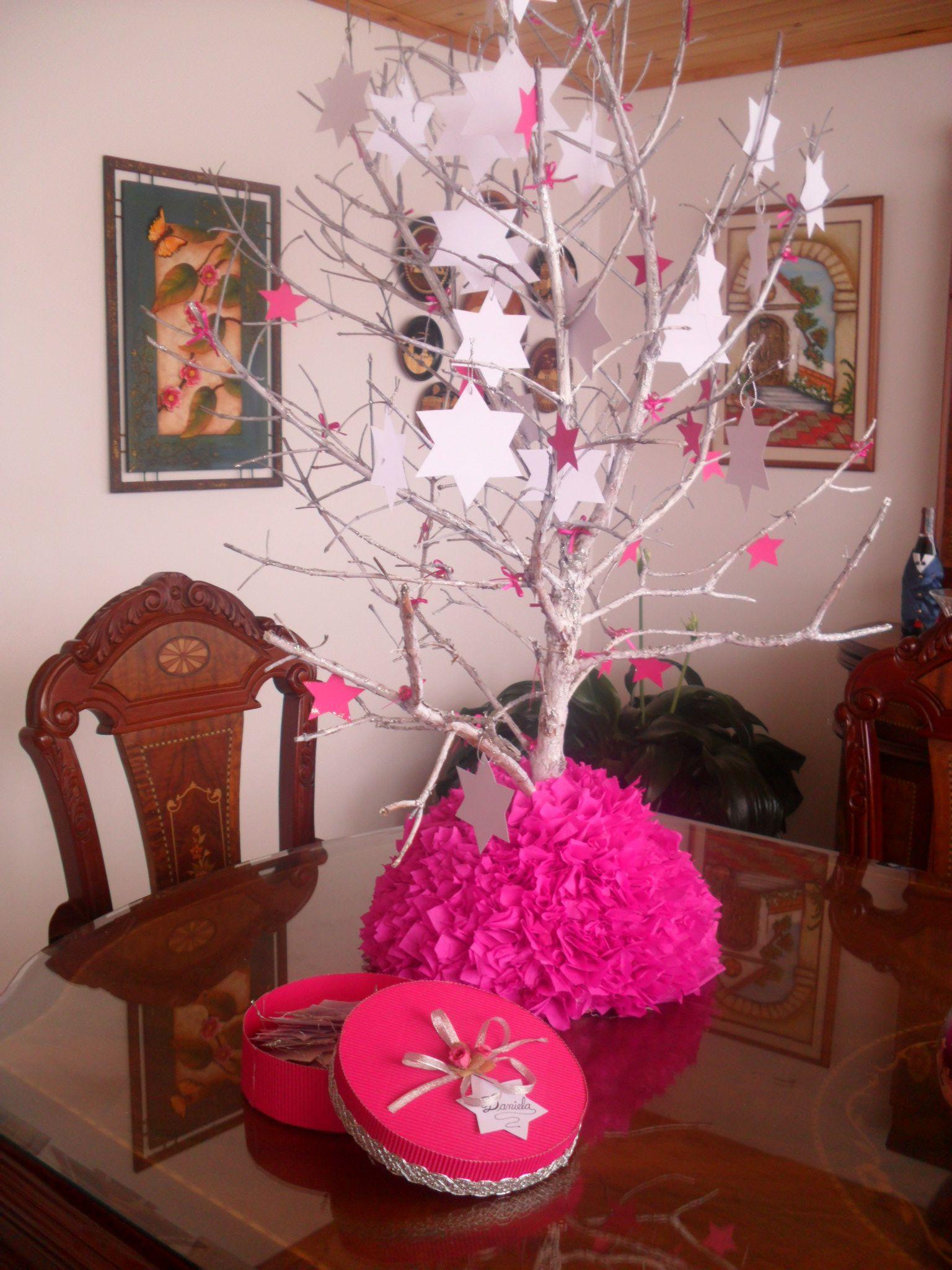 Centro de mesa de baby shower con rama de rbol http - Ramas de arboles ...