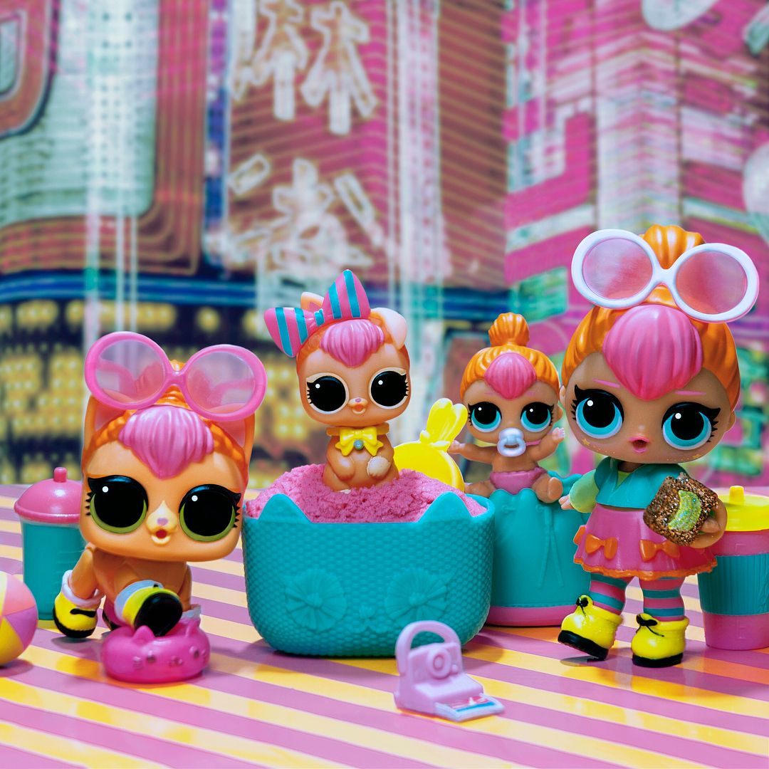Complete Your Lol Surprise Neon Family With The Ultra Rare Neon Bunny Find Her Hiding With Neon Kitty Biggie Pet E Lol Dolls Toys For Girls Baby Girl Toys