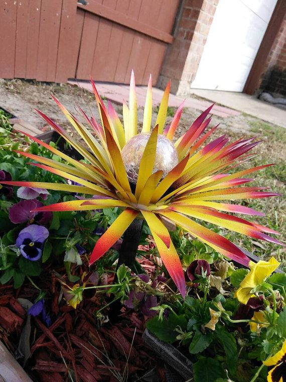 Pin By Garden Dreams Decor On Solar Lights Metal Flowers