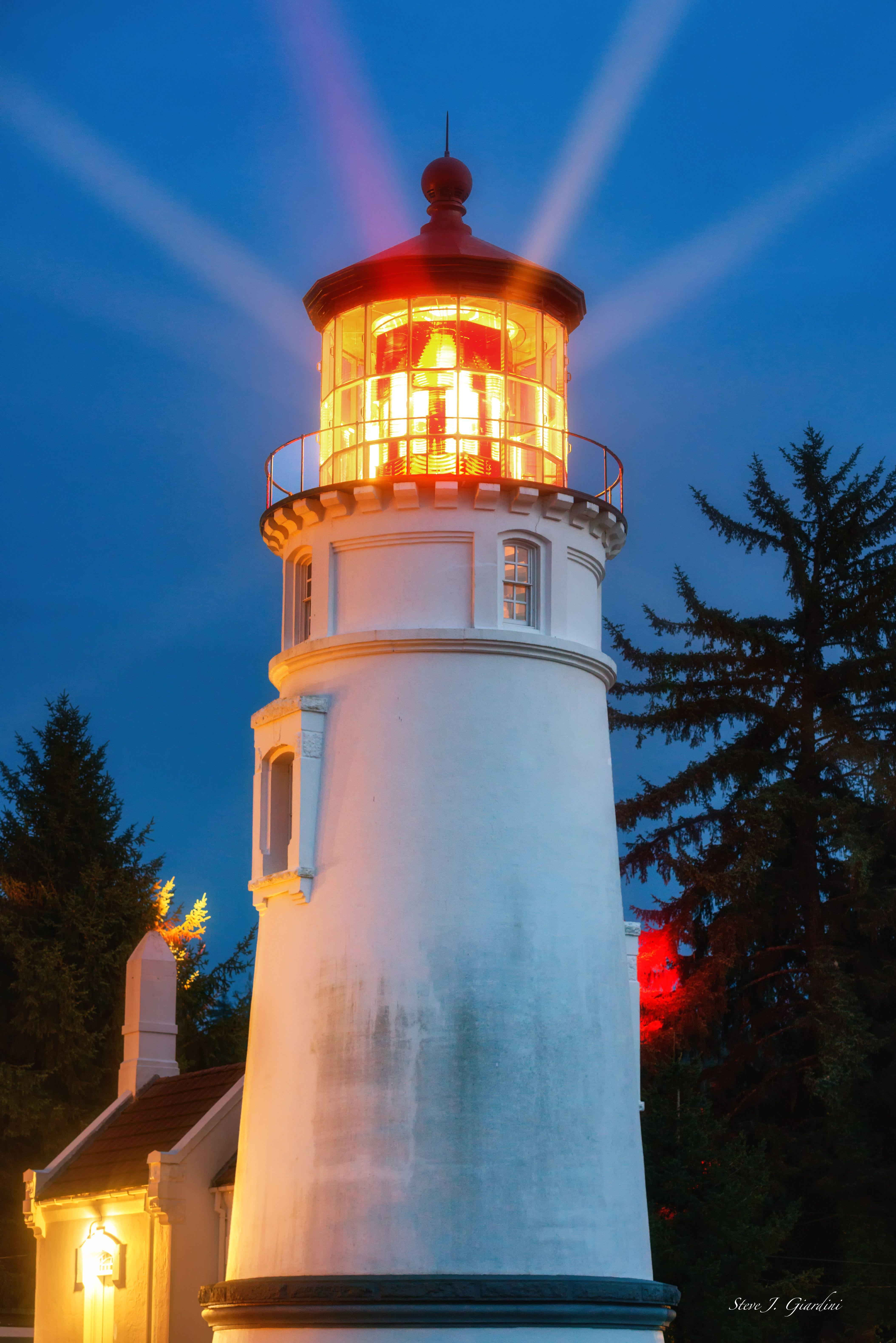 Oregon coast Umpqua River Lighthouse I 161591LND8 P