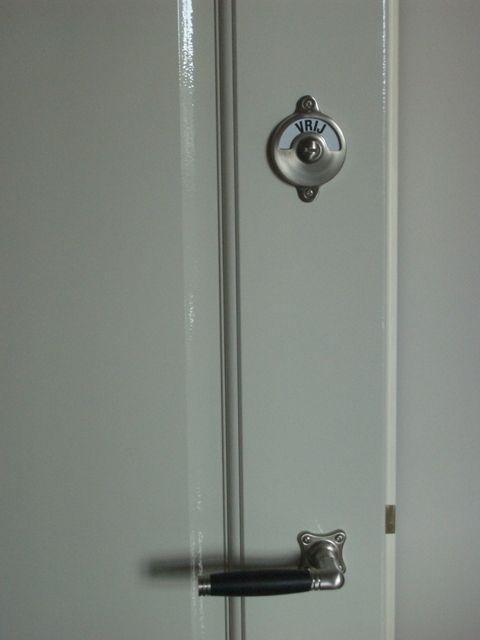 Bekend deurbeslag bezet/vrij | partitions & doors & windows - Bathroom DM18