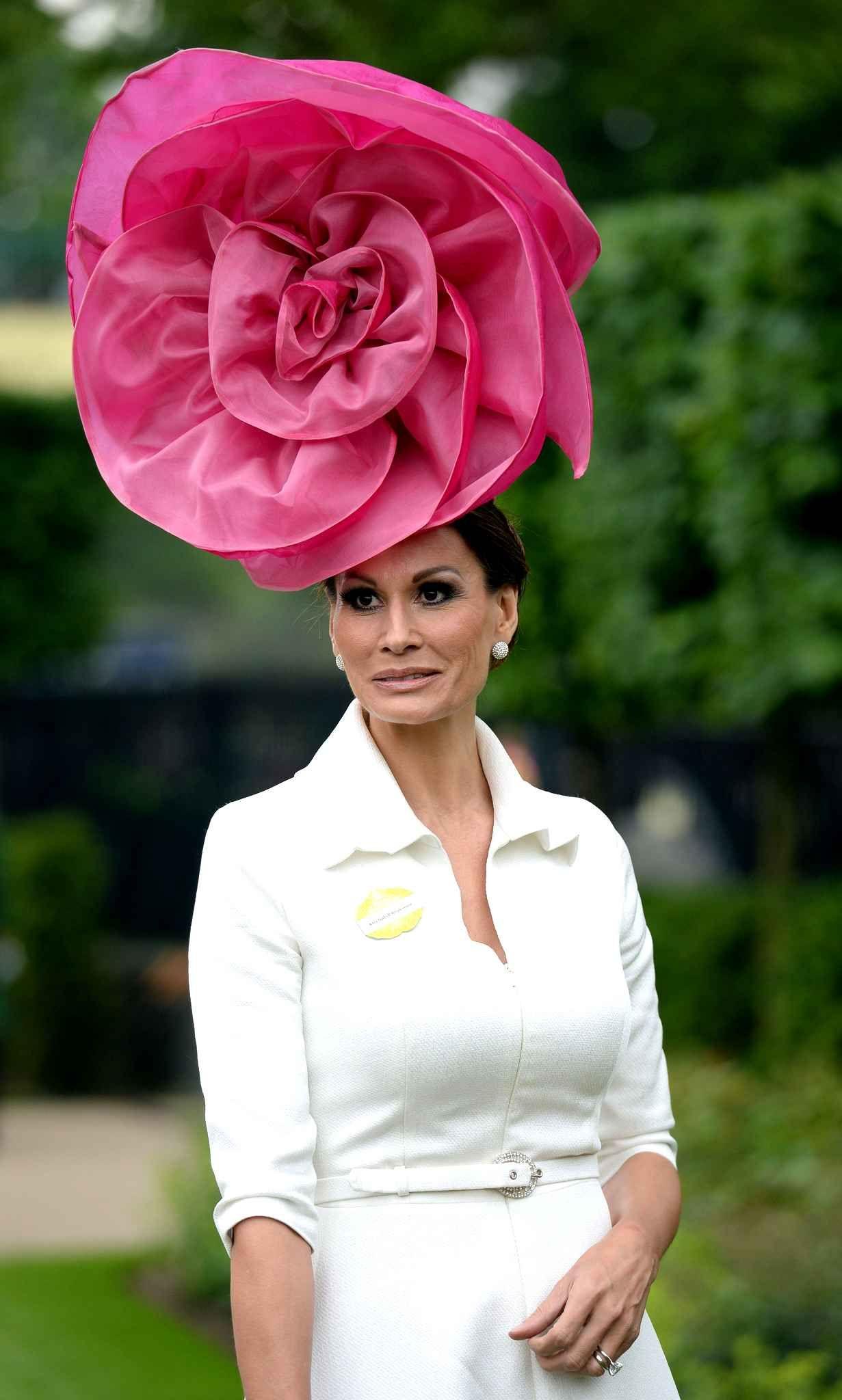 Les chapeaux du Royal Ascot   Le best of 2013 Pour Isabell Kristensen 5464601cd840