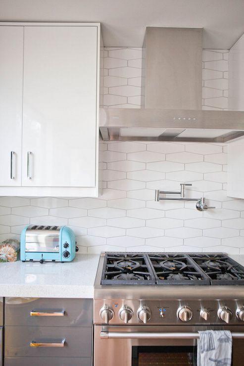 Best Contemporary Kitchen Boasts White Flat Front Upper 400 x 300