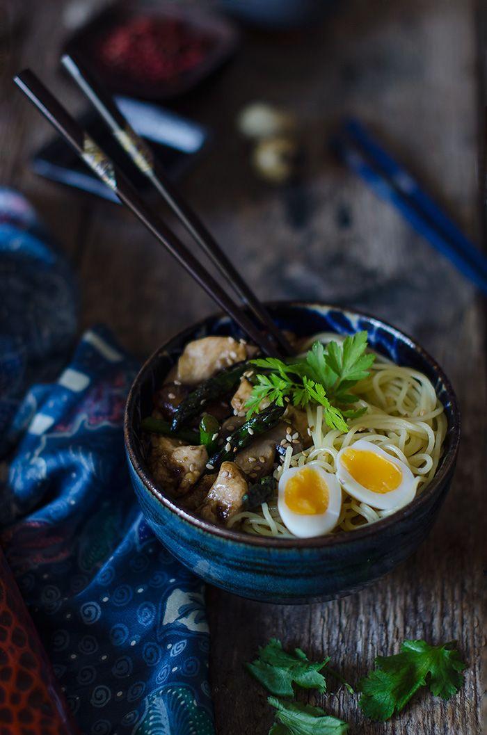 Noodles con pollo y verduras de temporada   Chicken and vegetable noodles http://saboresymomentos.es