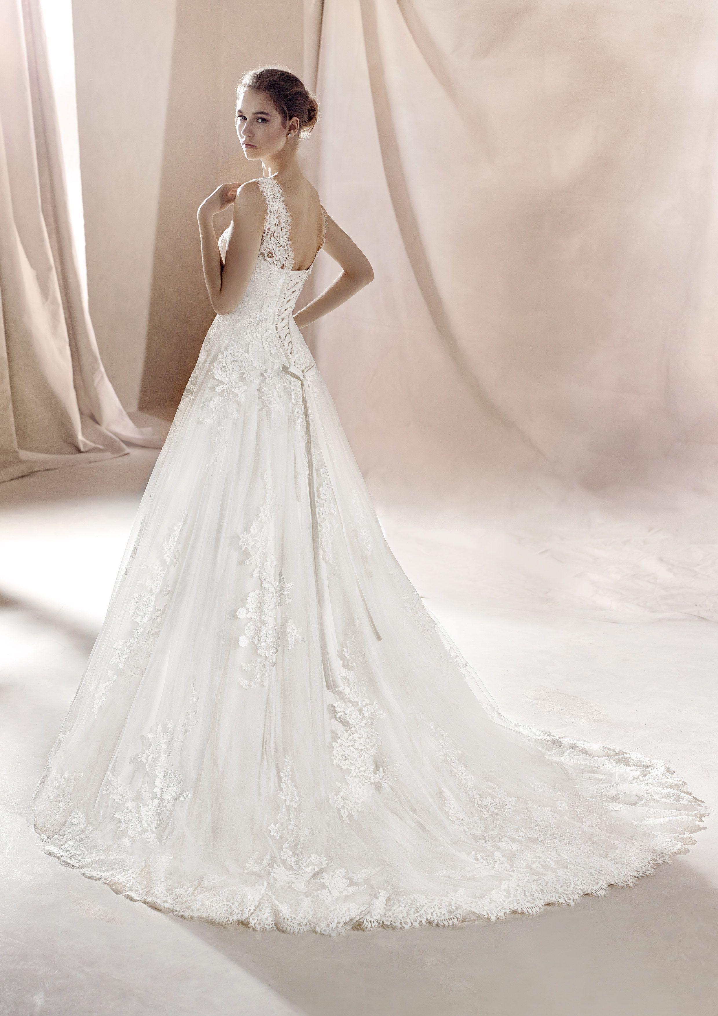 Exklusive Brautmode in Salzburg bei One day in 13  Kleid