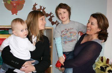 Für Familie und Beruf: Petra Hollweg und Carolin Rottländer mit ihren Kindern Alexander und Oskar