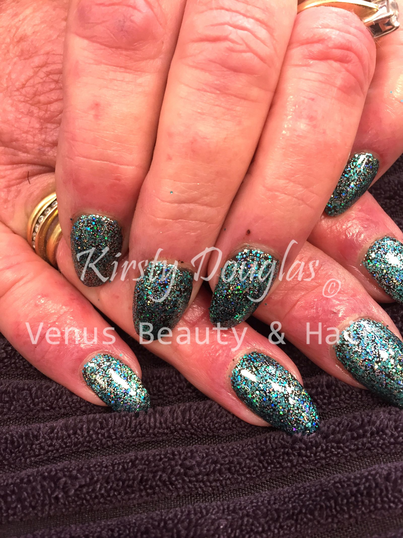 Pam went for one of the new Magpie Beauty glitters over Nail Harmony UK's base Black Shadow. So sparkly, we're going to have fun with these glitters!