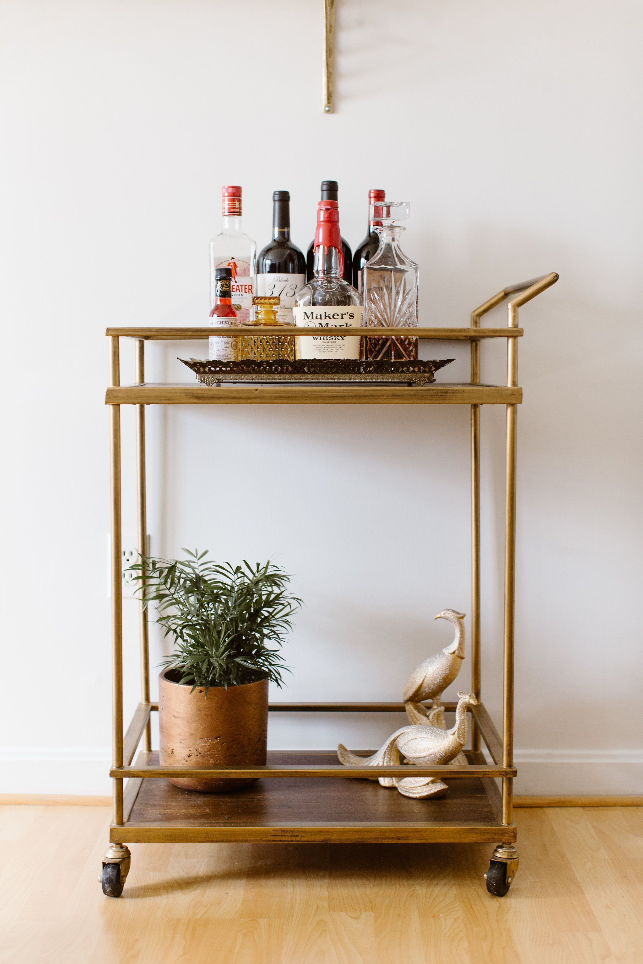 Modern bar carts for your living or dining room | www.barstoolsfurniture.com