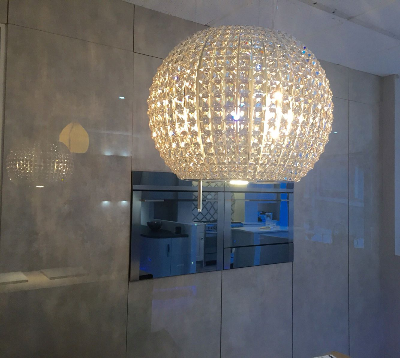 The Star by Elica, crystal cooker hood creates a calm ambience in ...