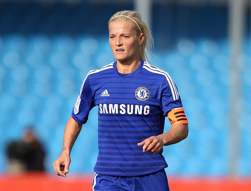 Congratulations to Katie Chapman, who has earned an England recall and joins @EniAlu in the squad to play USA! #CLFC
