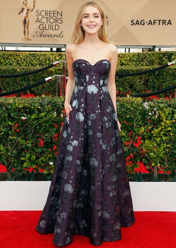 Kiernan Shipka no red carpet do SAG Awards 2016