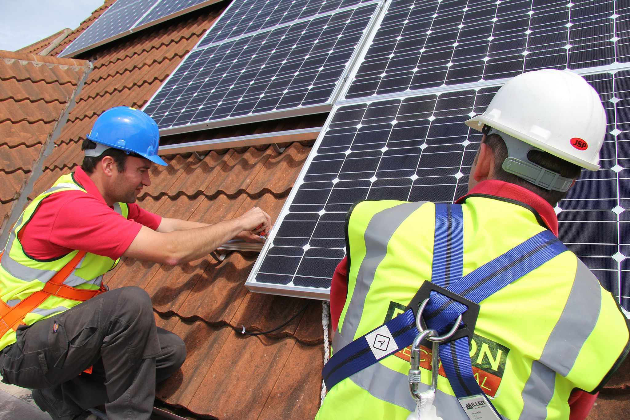 Could you be the lucky winner of the Roxon solar PV system? Less than 24 hours to find out!