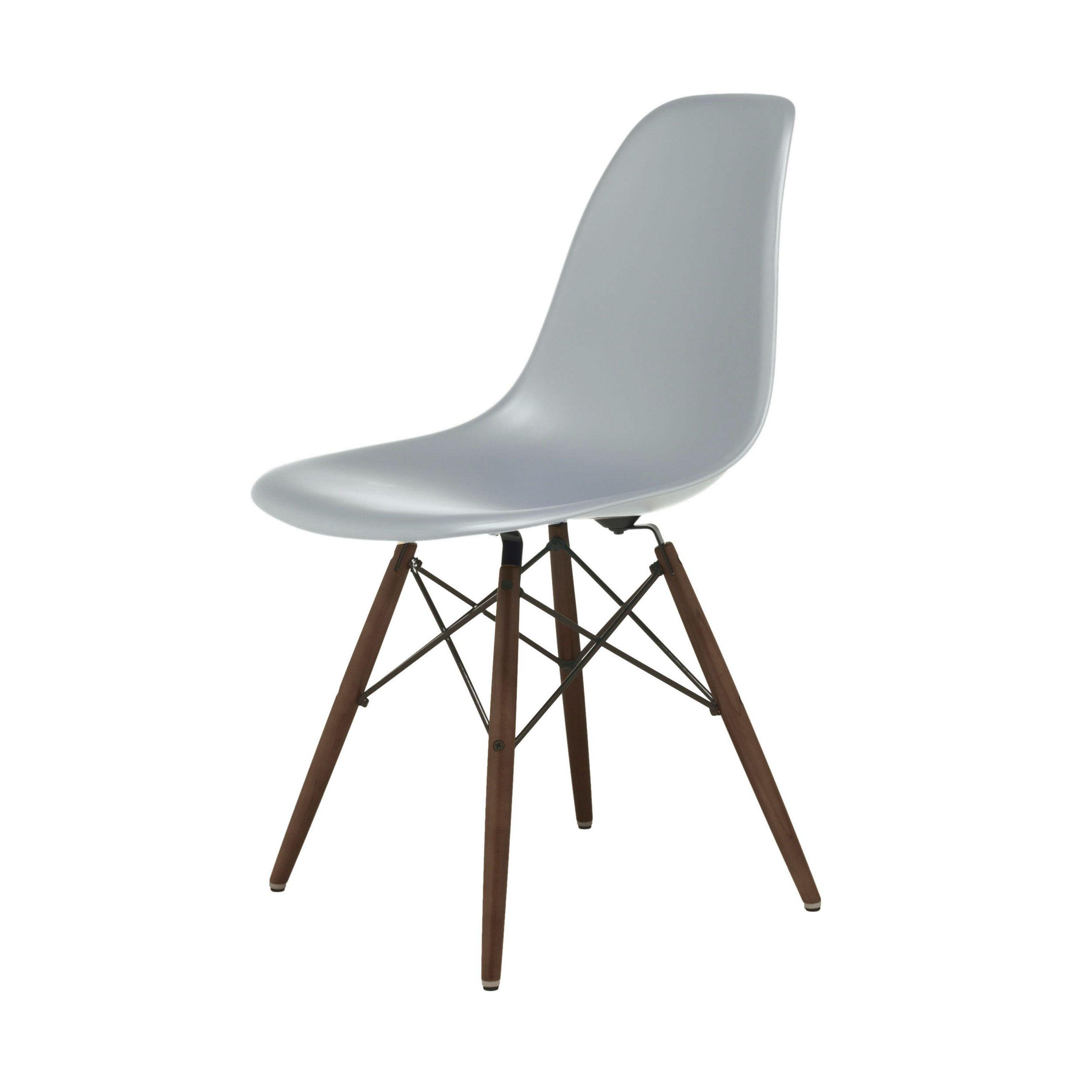 """Der grüne Stuhl """"Louis"""" ist im Barock Stil gefertigt"""