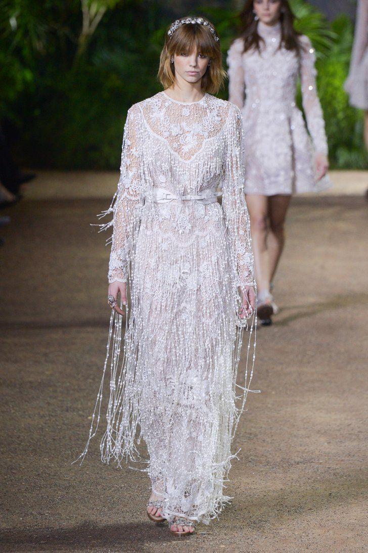 Pin for Later: Diese Couture-Hochzeitskleider lassen Herzen höher schlagen Elie Saab Haute Couture Frühjahr/Sommer 2016